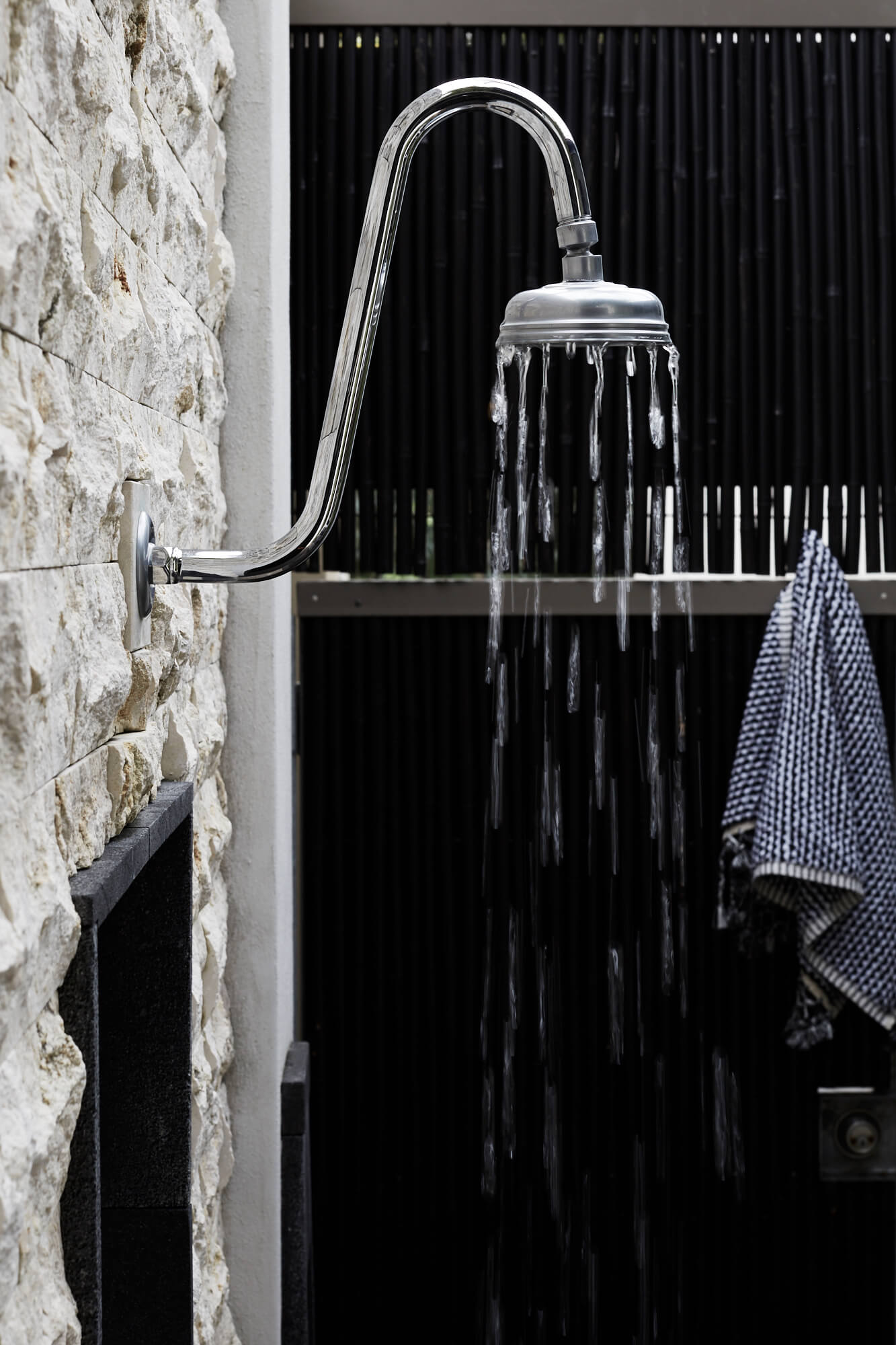 Outdoor shower | The Villas of Byron